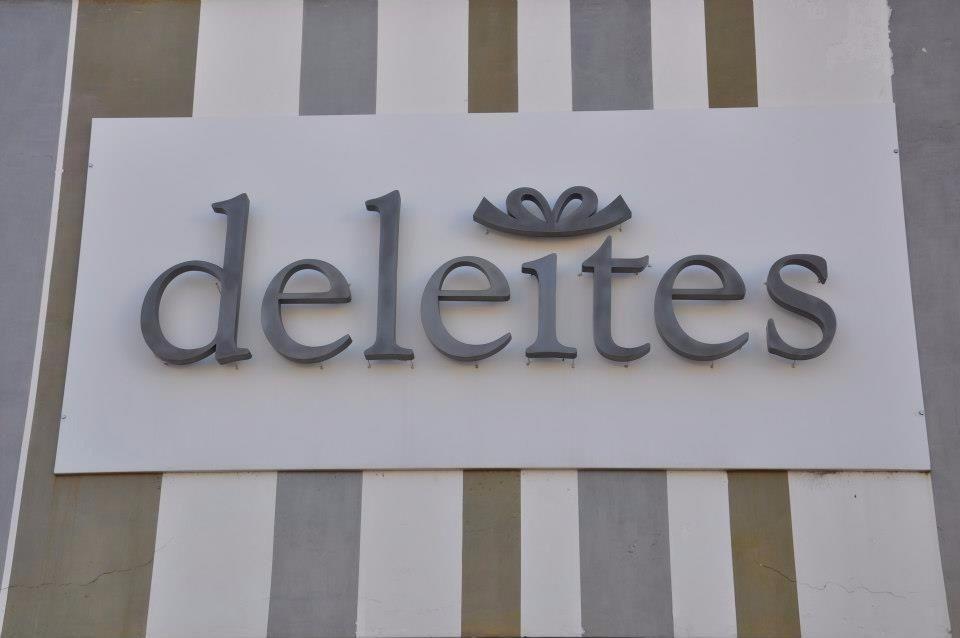 Logotipo deleites paseo del regalo